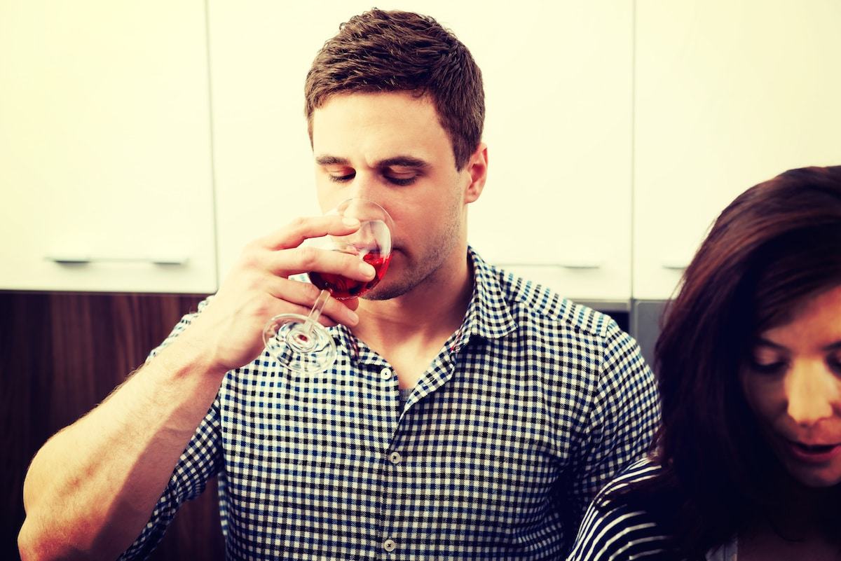 7 Effective Tips to Deal with an Alcoholic Family Member During the Holidays